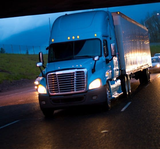 Trucking accident injury lawyer